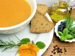 Suppe im Mixer machen